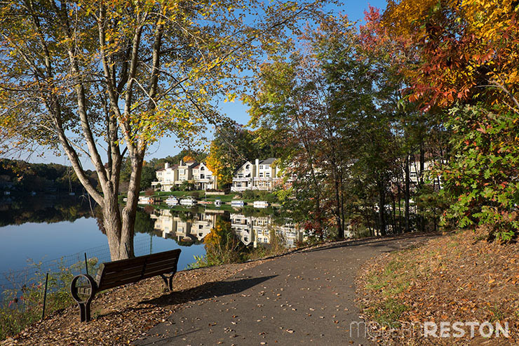 Lake Audubon walking trail in Reston, Virginia in the fall