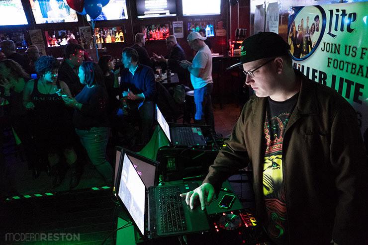 DJ-JC-karaoke-night-at-Kalypsos-in-Reston-02