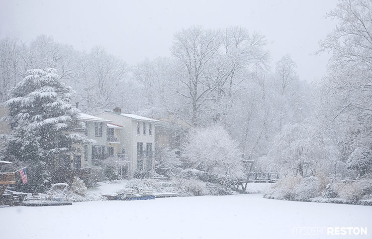 01-Snowy-Lake-Anne-in-Reston-02