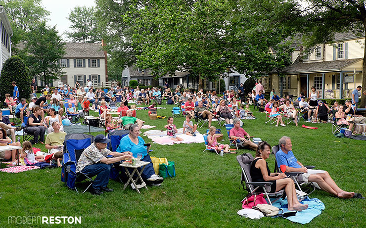 20150712 200 Great Falls Village Concert on the Green