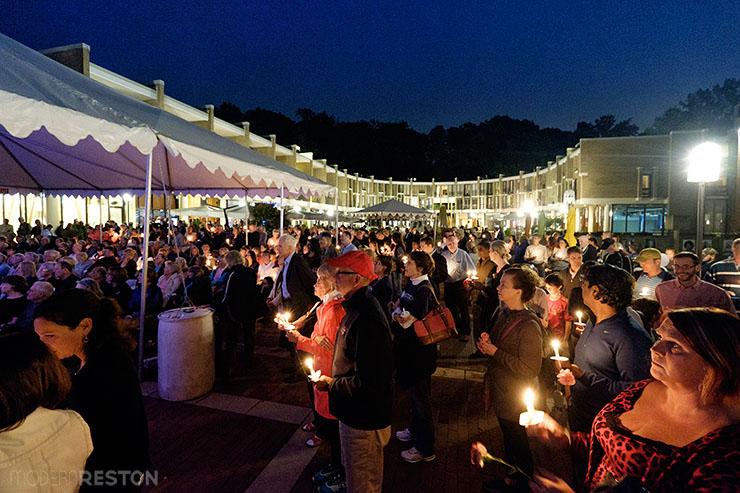 Bob-Simon-candlelight-vigil-07