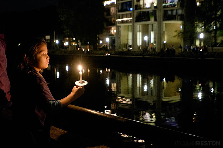 Bob-Simon-candlelight-vigil-14