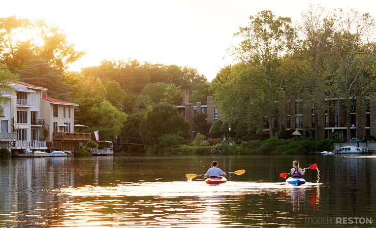 Lake-Anne-Reston-kayaking