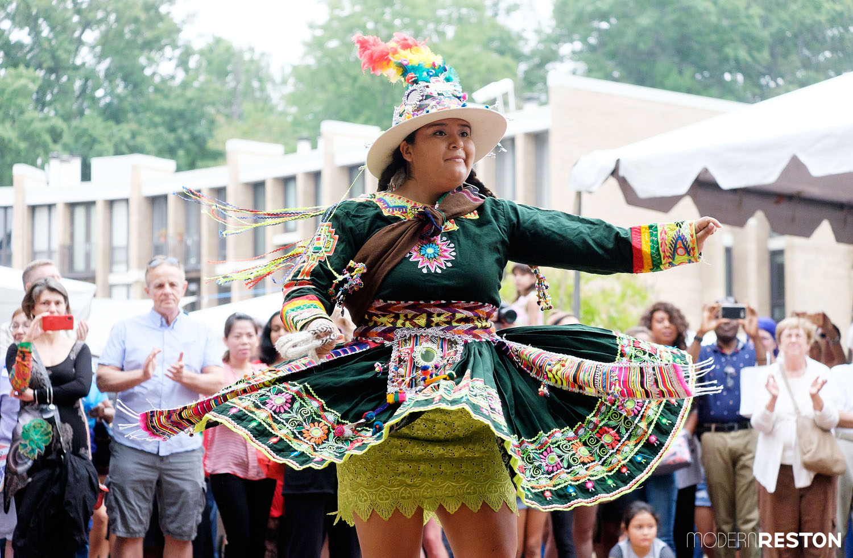 Tradiciones Bolivian (Bolivian dancer)