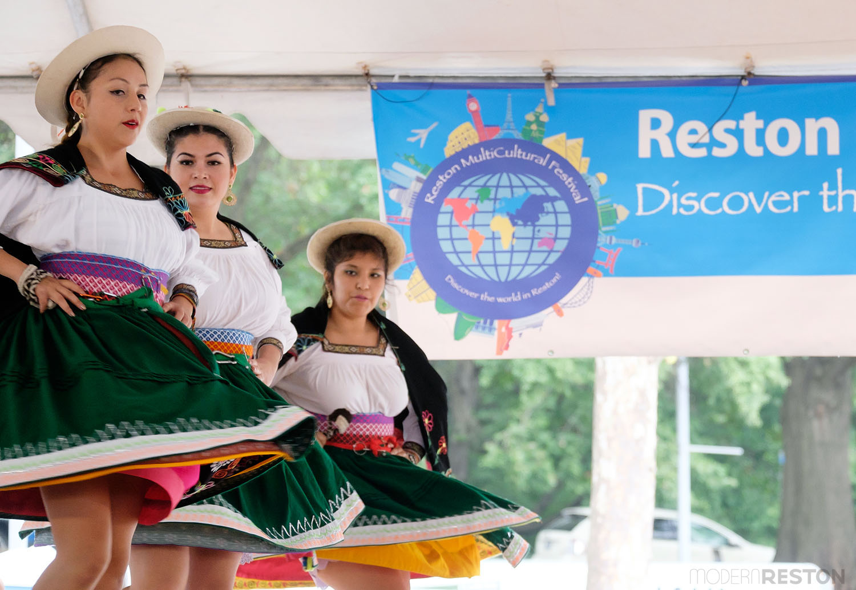 Tradiciones Bolivian (Bolivian dance)
