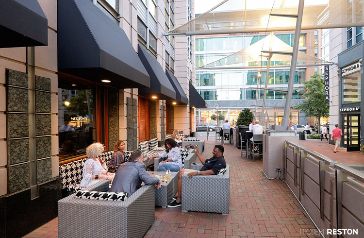 Mortons-Reston-Town-Center-patio