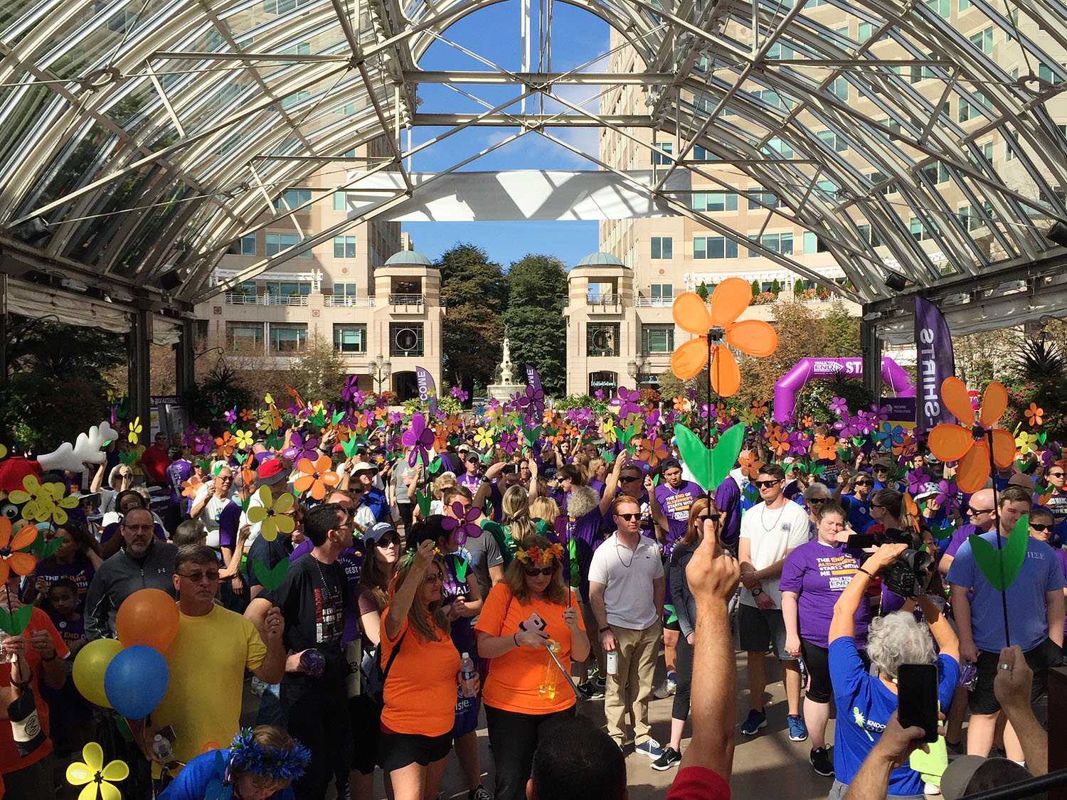 walk-to-end-alzheimers-reston-town-center-01