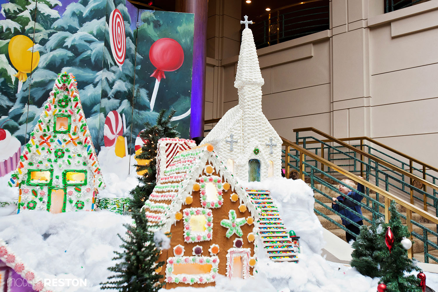 reston-town-center-gingerbread-village