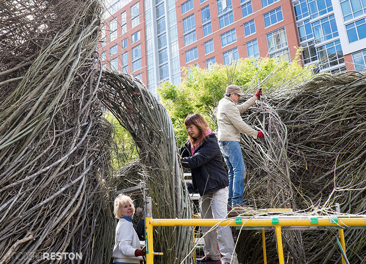 Patrick-Dougherty-sculpture-Reston-Town-Center-02
