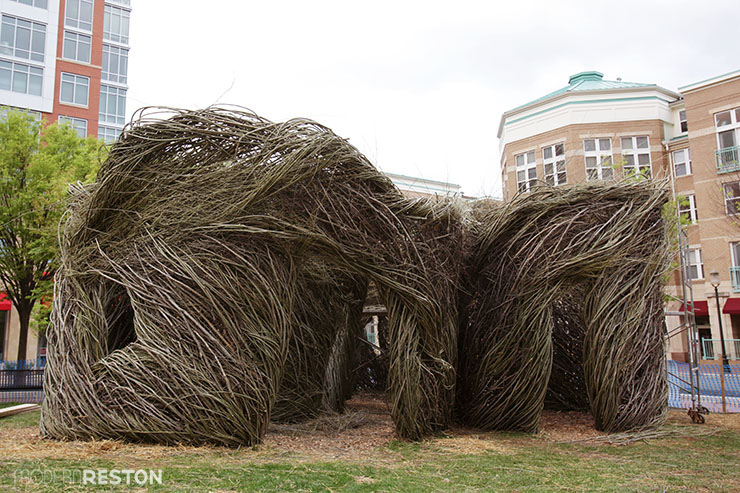 Patrick-Dougherty-sculpture-Reston-Town-Center-06