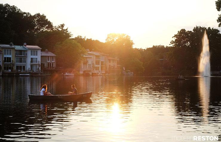 Boat-rental-at-Lake-Anne