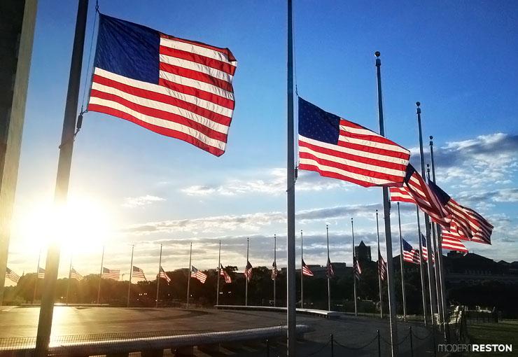 Washington-Monument-flags