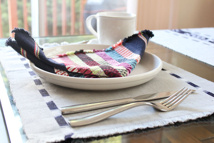 Living-Threads-placemat-and-napkin