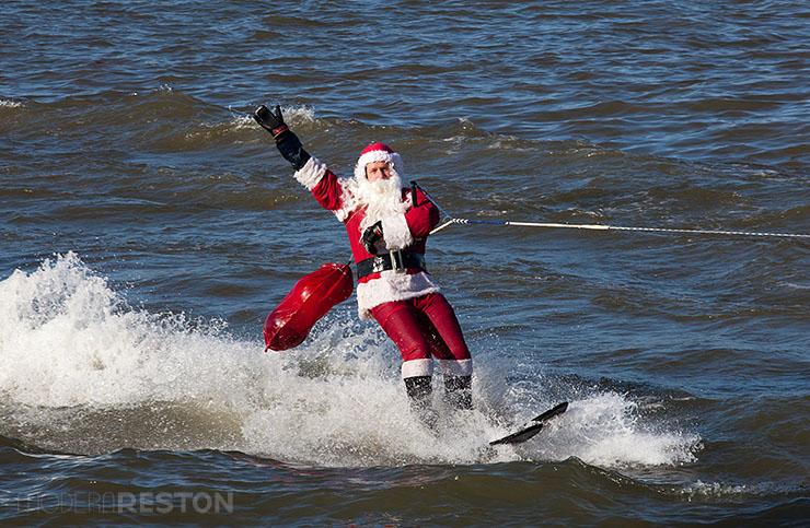 DC-Waterskiing-Santa
